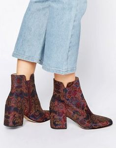Being Bohemian: Boots