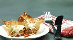 Diese Lasagne in kleinen Portionen auf die Hand ist der optimale Snack für Partys oder einfach zwischendurch für den kleinen Hunger. Das Rezept für ...