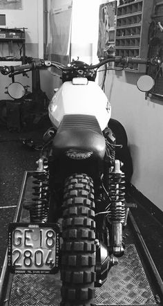 Moto Guzzi v35 scrambler
