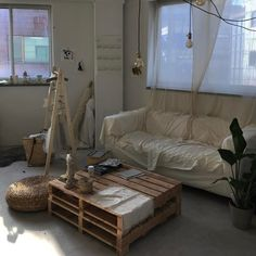 room ideas, from the House & Garden archive. Clever ideas for making small spaces and small houses look bigger, from storage solutions to design My New Room, My Room, Room Art, Dream Apartment, Studio Apartment, Aesthetic Rooms, Deco Design, House Rooms, Interior Inspiration