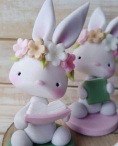 Fondant Figures, Fondant Cakes, Fondant Animals, Ballerina Party, Cat Sweaters, Pasta Flexible, Polymer Clay Art, Cold Porcelain, Stuffed Toys Patterns