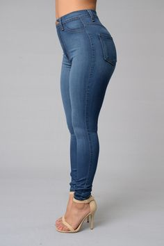 Love this Fashion Nova classic high waist skinny jeans!