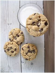 Flour and butter free, peanut butter chocolate chip cookies.