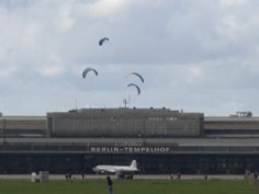 KITE in the city - Tempelhofer Freiheit