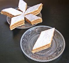Prajitura de post , cu mar Vegan Foods, Vegan Recipes, Cooking Recipes, Cake Recipes, Dessert Recipes, Desserts, Romanian Food, Romanian Recipes, Food Cakes