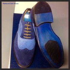 Raimondi Walking Shoes.. linea passeggio.. Modello Milano in suede e jeans #raimondigolfshoes #golfshoes #italiangolfshoes #madeinitaly #handmadeinitaly #italianstyle #walkingshoes #man #woman #italy
