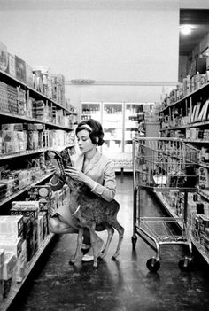 Audrey Hepburn shopping in Beverly Hills, with 'Ip', 1958