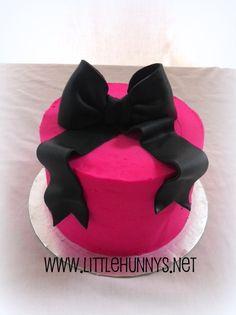Simple little hot pink smash cake