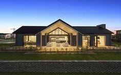 ze huus-landmark homes-Orini Design Ranch House Plans, New House Plans, Barn House Design, Black House Exterior, Pole Barn Homes, Hamptons House, Exterior Design, Building A House, Architecture Design