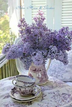 Lilac teacup
