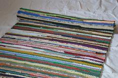 Flickenteppich nach Mass-gewebt in Österreich auf Holzwebstühlen Bunt, Austria, Blanket, Crochet, Home Decor, Rag Rugs, Woven Chair, Weaving, Timber Wood