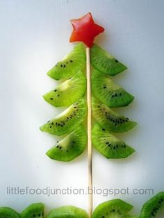 Kid's Lunches-This Christmas tree is actually slices of kiwi-Kids will love it!