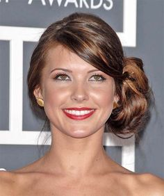 Audrina Patridge hairstyles are shiny and voluminous and Audrina Patridge hairstyles add new looks to your personality
