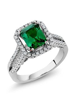 Top Tips For Choosing an Emerald Engagement Ring