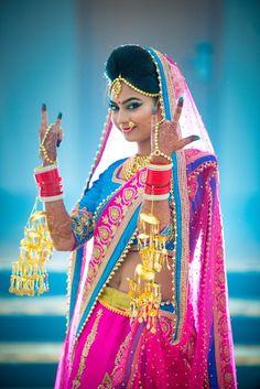 """Smriti +Nishant"" album of Photographer Ammy Photography in Lucknow Indian Bridal Photos, Indian Wedding Pictures, Indian Wedding Poses, Indian Wedding Couple Photography, Bride Photography, Couple Photography Poses, Bride Poses, Up Girl, Album"