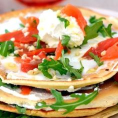 Pancake salati con salmone e ricotta