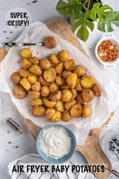 Easy Air Fryer Crispy Roasted Little Mini Baby Potatoes recipe creates the best small baby potatoes in an air fryer EVER for breakfast or dinner! Are you ready to learn how to make potatoes in the air fryer? Keep reading! Best Dinner Recipes, Brunch Recipes, Appetizer Recipes, Roasted Baby Potatoes, Little Potatoes, Baby Potato Recipes, How To Make Potatoes, Most Delicious Recipe, Baked Chicken Recipes