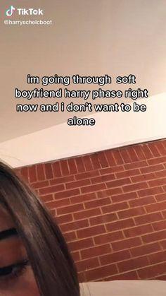 Harry Styles Smile, Harry Styles Baby, Harry Styles Imagines, Harry Edward Styles, One Direction Videos, One Direction Harry, One Direction Humor, Cute Celebrity Guys, Cute Celebrities