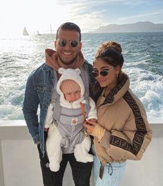 Photo shared by Fashiongals on February 2020 tagging and Image may contain: 3 people, people standing, ocean, sky, outdoor and water Cute Family, Baby Family, Family Goals, Beautiful Family, Cute Kids, Cute Babies, Illustration Mode, Future Mom, Cute Baby Videos