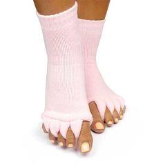Κάλτσες για την προστασία από τις ακτίνες UV στο πεντικιούρ. Αν νιώθετε… Socks, Fashion, Moda, Sock, Fasion, Stockings, Ankle Socks, Trendy Fashion, La Mode