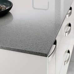Bring on-trend grey into the kitchen with this luxurious grey mirror chip quartz worktop. Kitchen Worktop, Kitchen Tops, Kitchen Ideas, Dark Colors, Light Colors, Installation Manual, Cleaning Materials, Work Tops, Home Kitchens