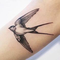 Hawk Tattoo, Bird Tattoo Men, Small Rib Tattoos, Small Flower Tattoos, Tattoos For Women, Tattoos For Guys, Vogel Tattoo, Tattoo Designs, Sparrow Tattoo