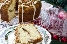 Sour Cream Coffee Cake from Bunkycooks - I love coffee cake!!