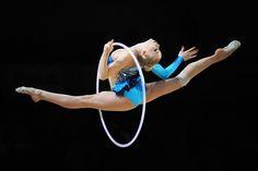 Kseniya Moustafaeva by Alexandre Vandystadt www.alexandrevandystadt.com (Rythmic Gymnastics Print photo Gallery).