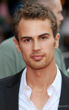 Such a hot guy. Hes so dreamy. I cant wait for the divergent movie. So far away. (March 2014)