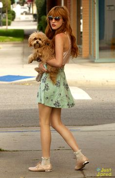 Bella Thorne con mi lindo perrito
