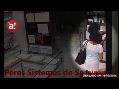 TV Acontece: Mulheres furtam bandeja de joias em loja; veja vídeo - Um vídeo do circuito interno de segurança de uma loja de joias no Shopping Botucatu flagrou na tarde desta terça-feira, dia 18, a ação de duas mulheres que furtaram uma bandeja inteira, completa de joias, do estabelecimento. As imagens são do monitoramento da empresa Peres Sistemas de Segurança. A  - http://acontecebotucatu.com.br/policia/tv-acontece-mulheres-furtam-bandeja-de-joias-em-loja-veja-video