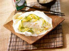 Avec les lectrices reporter de Femme Actuelle, découvrez les recettes de cuisine des internautes : Papillotes de poisson au lait de coco