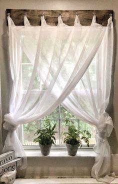 farmhouse window treatment #HowToHomeDecor
