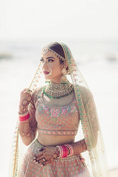 Photo from Jaskirat & Sujinder Wedding You can find different rumors about the annals of the wedding dress; tesettür First … Indian Wedding Photos, Indian Bridal Outfits, Indian Bridal Wear, Bridal Dresses, Indian Wear, Indian Wedding Jewelry, Indian Dresses, Bridal Jewelry, Bridal Poses