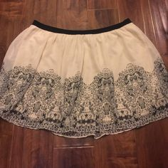 Adorable cream skirt Super comfy! Stretchy waist band! American Eagle Outfitters Skirts Mini