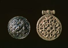 These are gold pendants with looped cross ornament decorated using filigree and granulation techniques, Courtesy Wikingermuseum Haithabu
