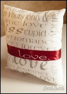 Valentine's Pillow Sewing Tutorials cute gift Valentine's Pillow Sewing Tutorials cute gift