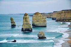 On the Great ocean road ! Les 12 Apôtres -------------------------------------- #greatoceanroad #australia #melbourne #surfcoast #twelveapostles #australiagram #travelgram #discoveraustralia #exploreaustralia #beautyofnature by lisette_around_the_world