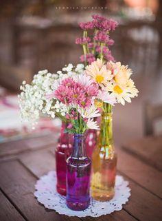 Wedding Decorative Bottles : casamento BH -Read More – Rustic Wedding Centerpieces, Table Centerpieces, Wedding Table, Wedding Decorations, Table Decorations, Diy Baby Shower Decorations, Virtual Baby Shower, Deco Floral, Deco Table
