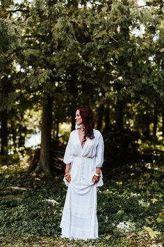 Lovely bohemian wedding dress from Free People | Image by Laura Rowe Photography and Kayla Rocca Photography