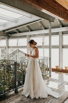 Driftwood Wedding, Greenhouse Wedding, Wedding Inspiration, Wedding Ideas, Boho Wedding, Brunch Wedding, Dallas Wedding, Wedding Goals, Dream Wedding Dresses