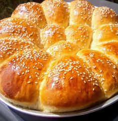 Food Gallery, Breakfast Time, Greek Recipes, Cake Art, Hot Dog Buns, Biscuits, Side Dishes, Rolls, Food And Drink