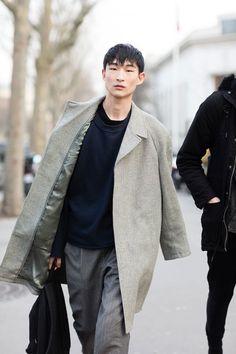 Sang Kim between shows during Paris Fashion Week. PH: Melodie Jeng. #streetstyle #fashion #menswear