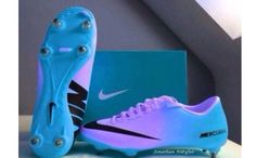 shoes blue nike soccer nike soccerboot soccer shoes white socks nike soccer cleats blue and purple cleats blue nike Soccer Gear, Soccer Boots, Football Shoes, Play Soccer, Soccer Stuff, Girls Soccer Cleats, Girls Football Boots, Cool Soccer Shoes, Sports Shoes