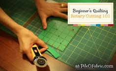 Rotary Cutting 101 – Beginner's Quilting Series Learn how to properly use a Rotary Cutter…Rotary Cutting Beginner's Quilting Tutorial Series at Pile O' Fabric. Quilting Tools, Quilting Tutorials, Machine Quilting, Quilting Projects, Sewing Tutorials, Sewing Projects, Quilting Ideas, Quilting 101, Video Tutorials