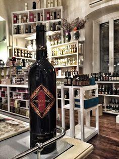 A Mano wine: Wineshop in Manfredonia (Puglia)