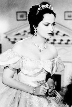 Merle Oberon in Wuthering Heights, 1939....Uploaded by www.1stand2ndtimearound.etsy.com