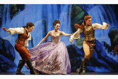 Allyson McHardy as Ruggiero, Mireille Asselin as Mogana and Wallis Giunta as Bradamante in Opera Atelier's Alcina.