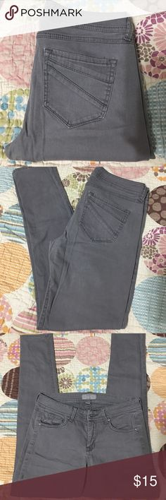 Rue 21 gray pants size 7/8 Preloved Rue21 Gray pants in good condition.  98% cotton 2% spandex Rue 21 Pants Skinny