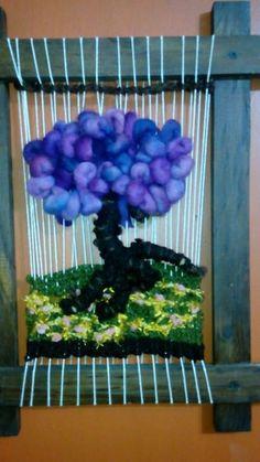 Tapis árbol Tapestry Weaving, Loom Weaving, Yarn Crafts, Textile Art, Fiber Art, Macrame, Cricut, Textiles, Wool